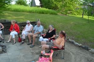 L-R: Aunt Doroth, Aunt Linda, Bill Smith, Aunt Barb, & John visiting