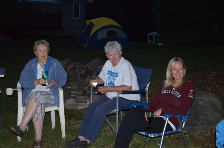 Aunt Dorothy, Aunt Linda and Carrie