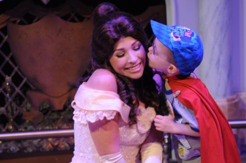 Aiden giving Belle a Kiss