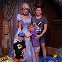 Melissa, Abby and Aiden meeting Cinderella
