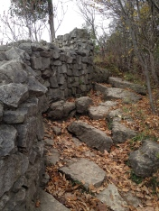 A pathway up to another lookout