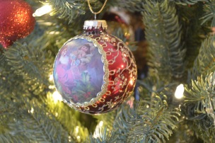Peter got this for Melissa in 2004 to remember our first Christmas as a married couple.