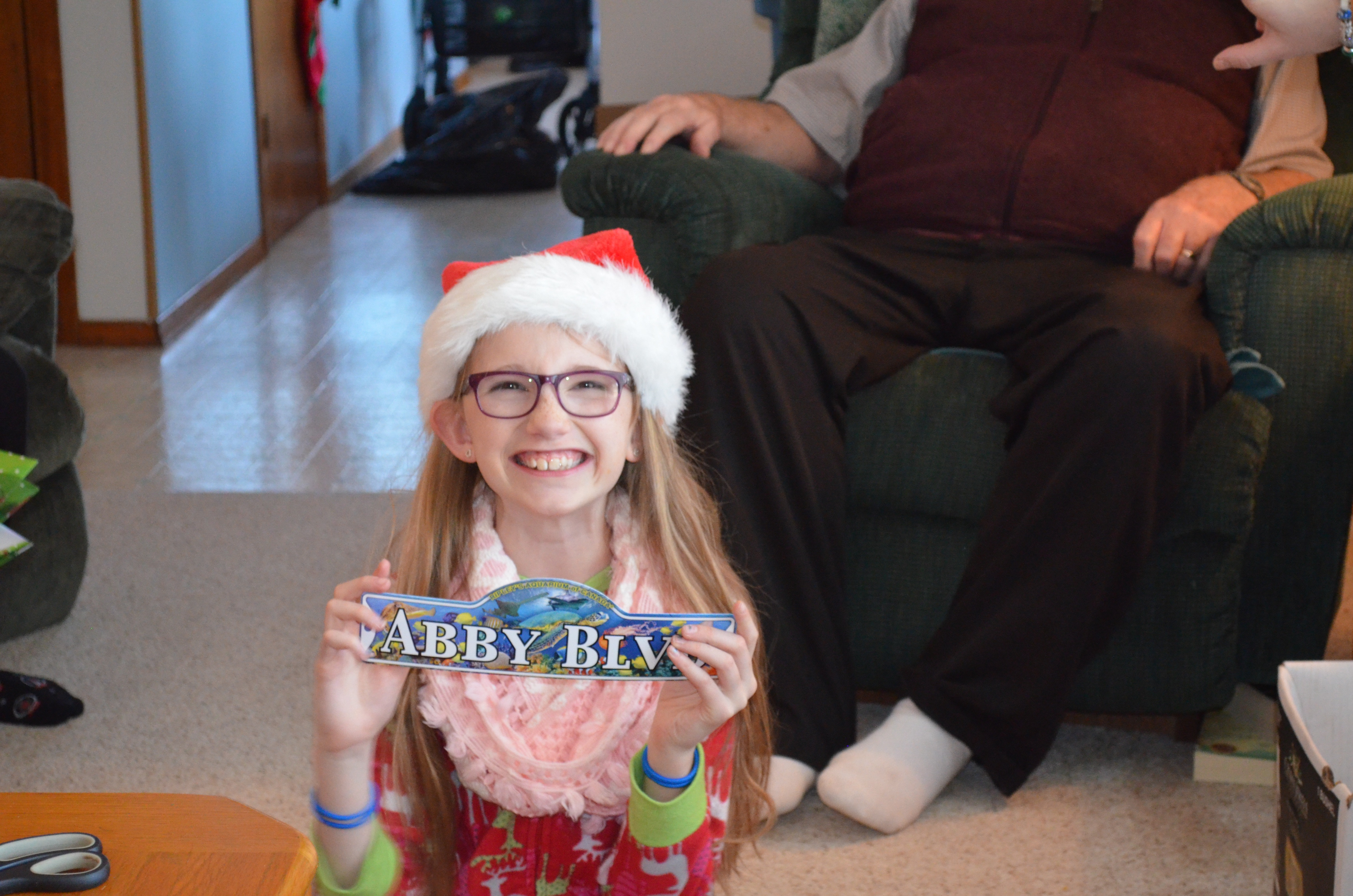 Abby with her new door sign from Stingray Experience Gift  sc 1 th 183 & The Cain\u0027s
