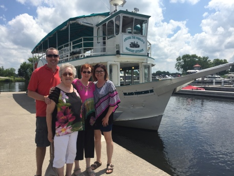 Peter, Mom, Jackie & melissa in front of the Liftlock Cruise ship